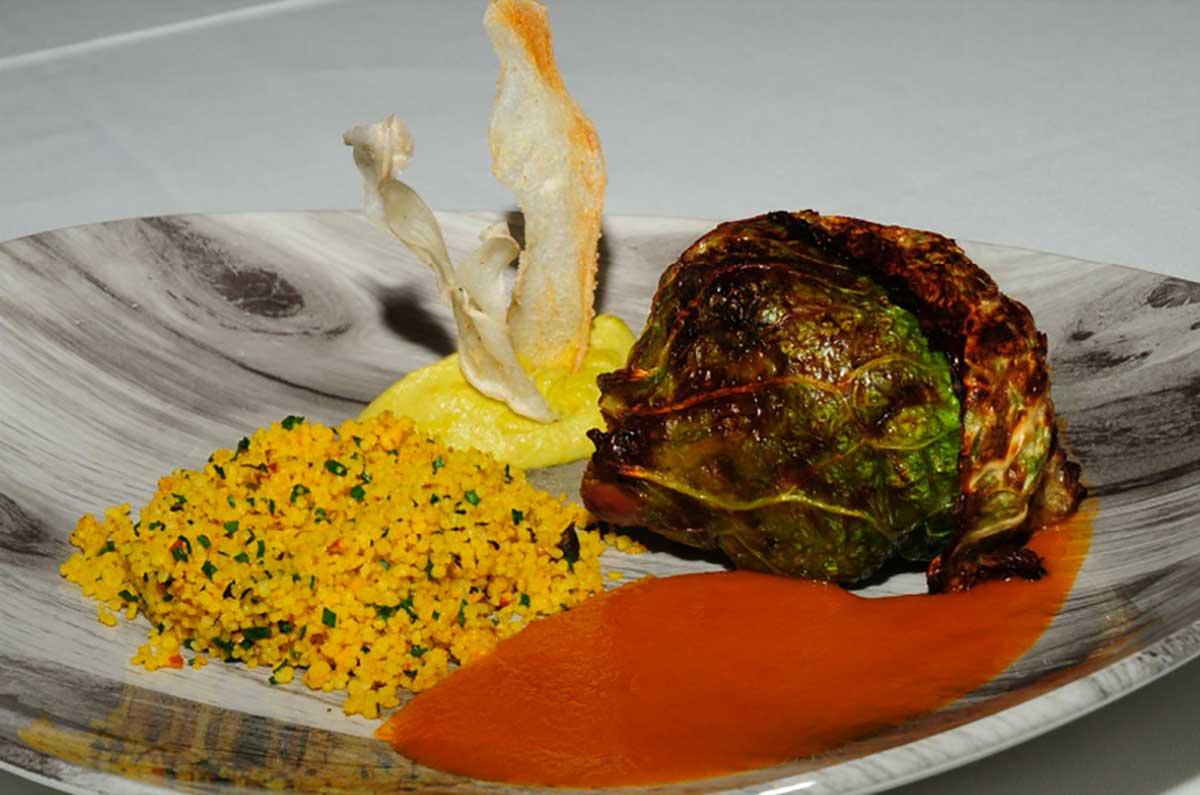 Receta de Paletilla de cordero Xisquet con tabule y salsa de miel y cilandro